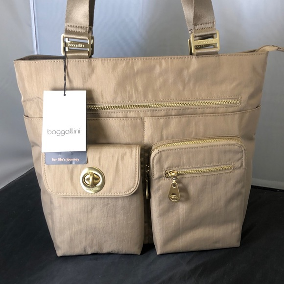 Baggallini Handbags - NWT Baggallini Tulum Tote Travel Bag